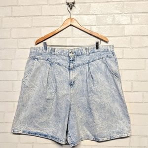 Vintage Pleated High Waist Shorts